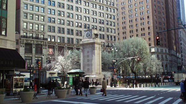 Панорама Геральд-сквер, пересечение 38-й улицы и Бродвея