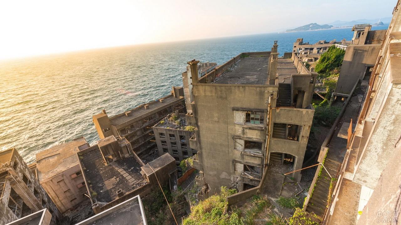 заброшенные города и здания фото его работы