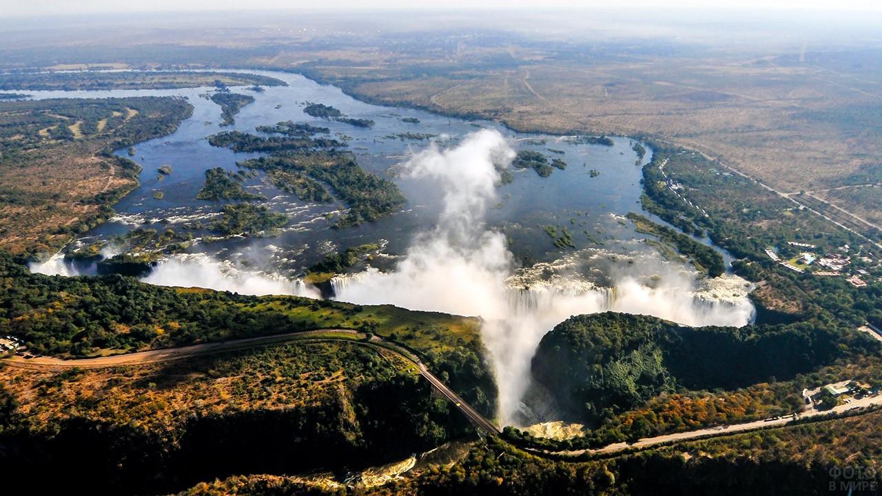 Водопад Виктория на реке Замбези с высоты птичьего полёта