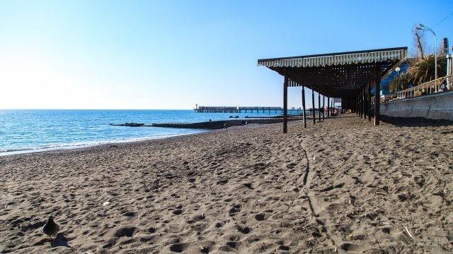 Песчаный Адлерский пляж