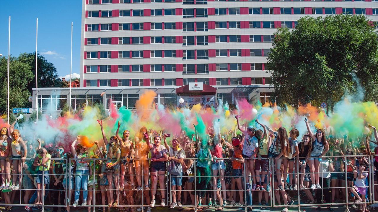 Ежегодный фестиваль красок