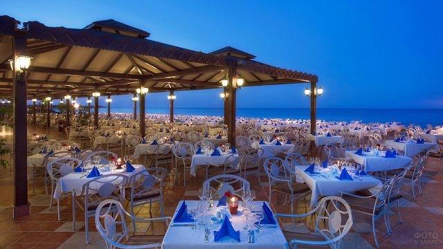Ресторан на Санторини