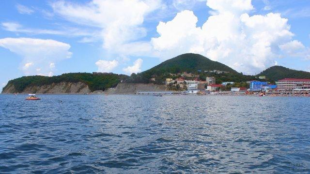 Вид на горы с моря