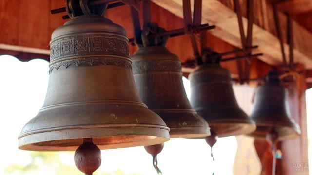 Колокола на православной церкви