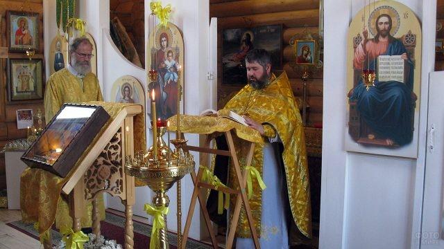 Праздничное богослужение в сельском приходе