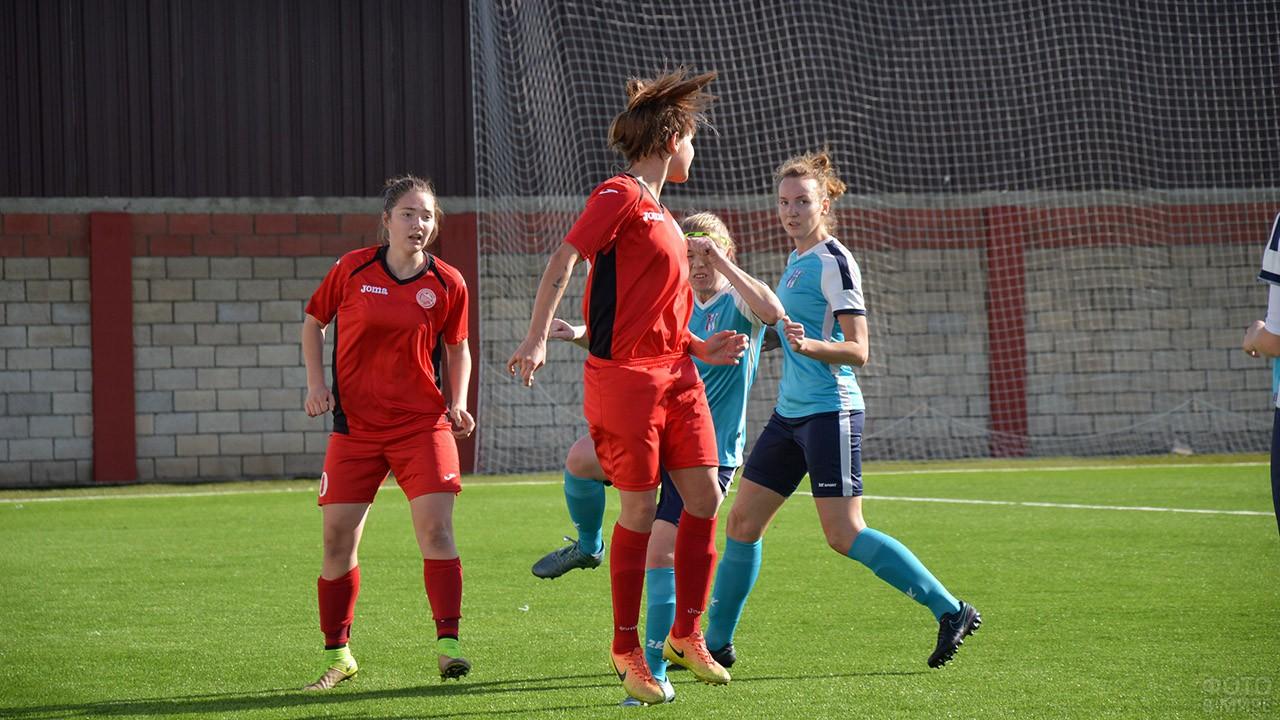 Женский футбол в День физкультурника