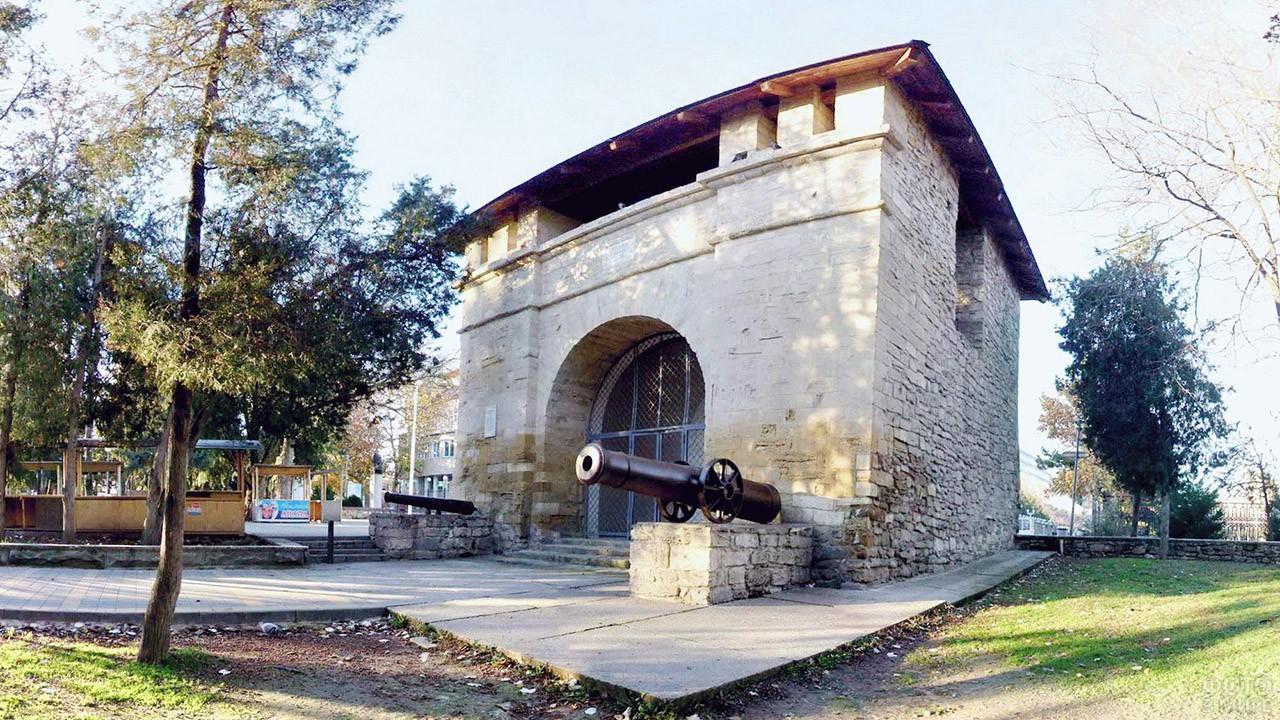 Русские ворота времён русско-турецкой войны 19 века в Анапе