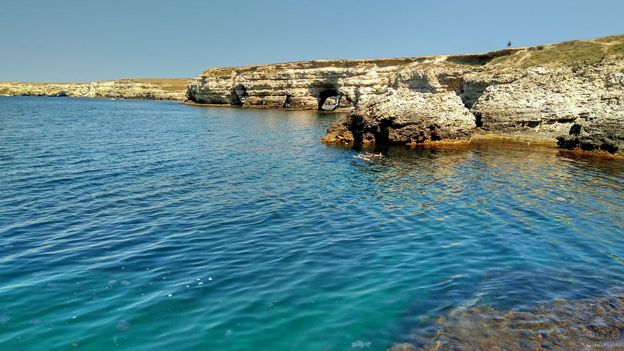 Скалистый берег полуострова Тарханкут