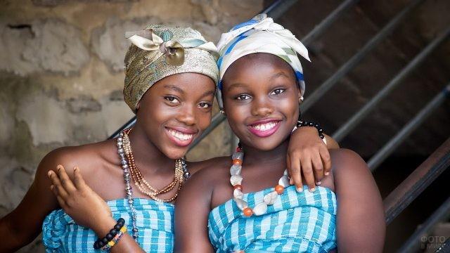 Африканки в национальной одежде