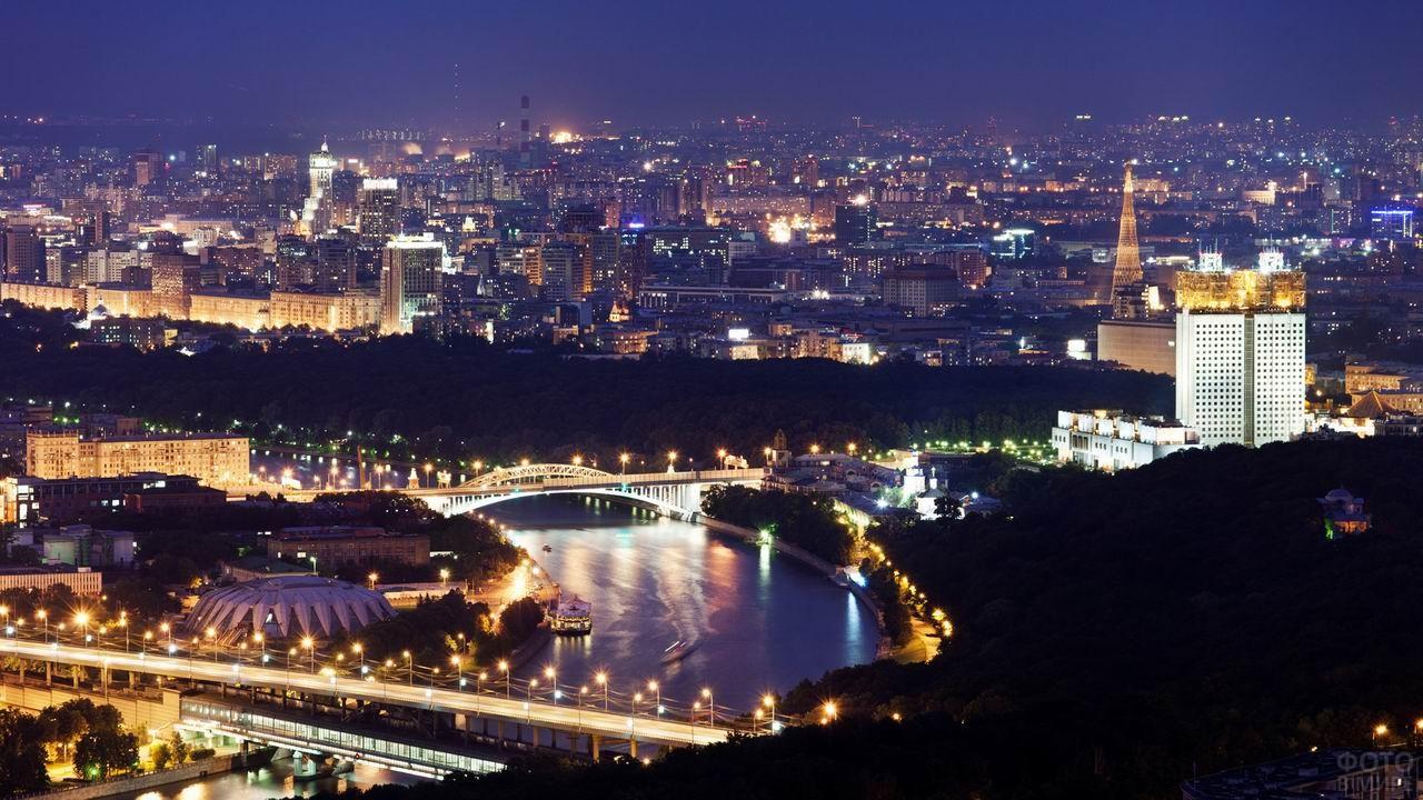 Ночная Москва в огнях