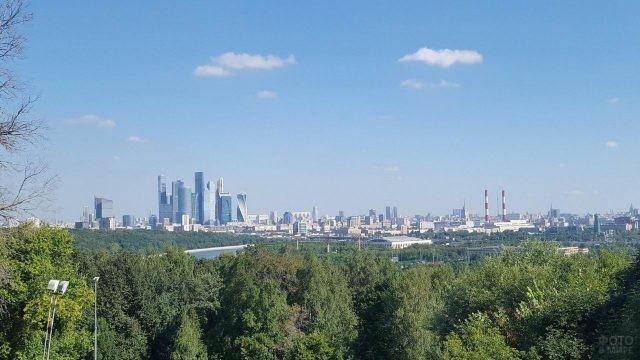 Вид на город с Воробьёвых гор