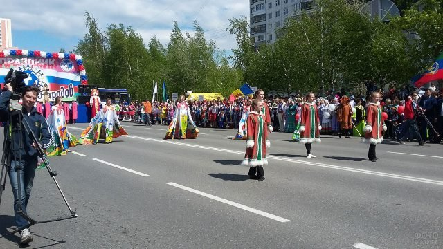 Парад народов на Дне России в Нижневартовске