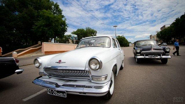 Автопробег ретромобилей в честь 75-летия ГАИ