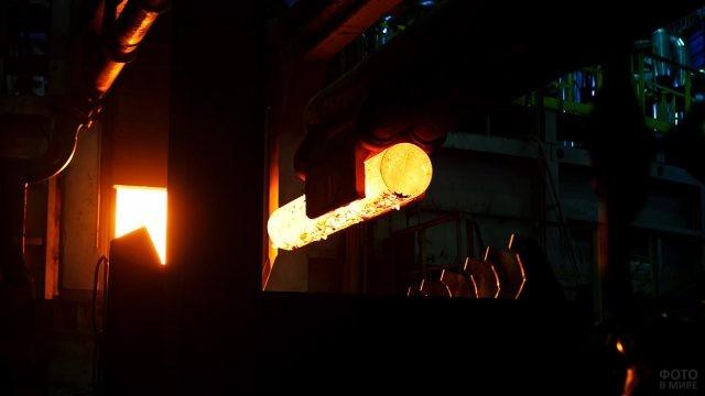 Литейный цех металлургического завода