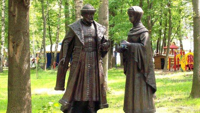 Памятник святым Петру и Февронии в Минске