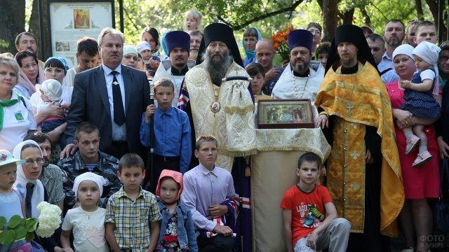 Почитание святых Петра и Февронии в День семьи, любви и верности