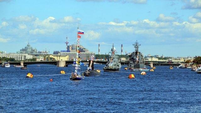 Открытие парада военных кораблей в День ВМФ в Санкт-Петербурге