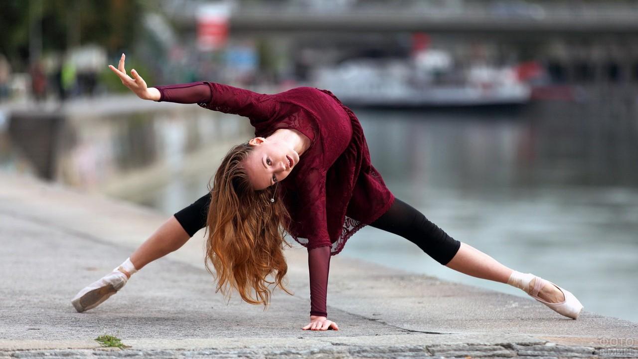 Фото гимнастка фото на улице, смотреть индийский порно ххх