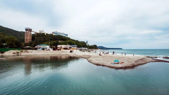 Черноморское побережье в долине реки Небуг