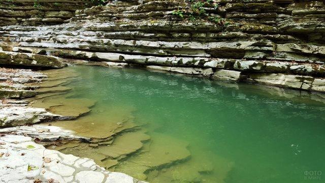 Живописные берега реки Небуг