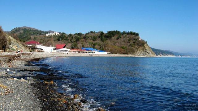 Чёрное море весной