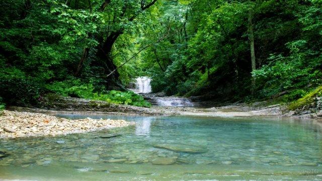 Плесецкая щель в Долине ста водопадов