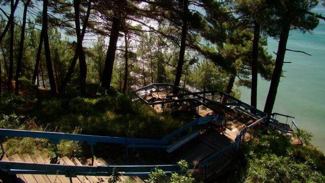 Знаменитая лестница к морю - 180 ступенек