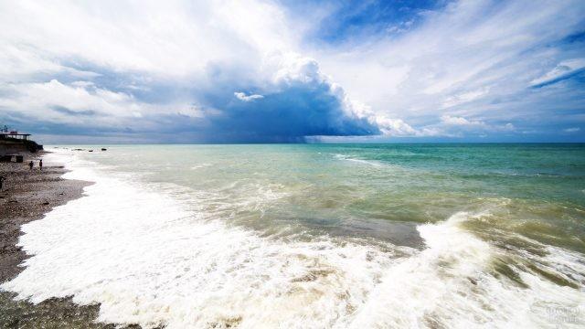 Морской пейзаж на пляже Якорная щель