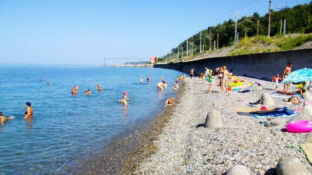 Пляж Вардане в пригороде Сочи