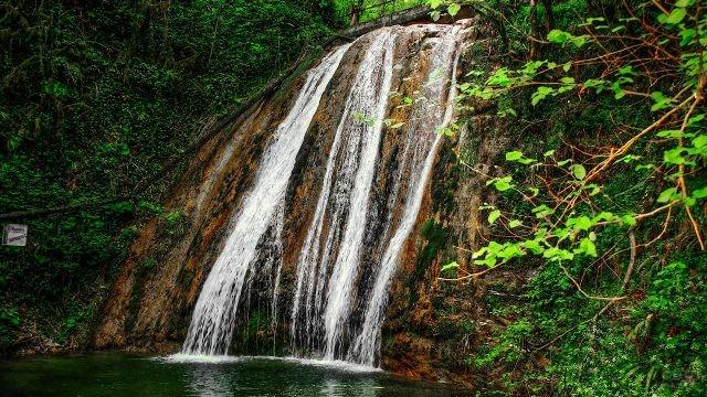 Ущелье Джегош известное как 33 водопада