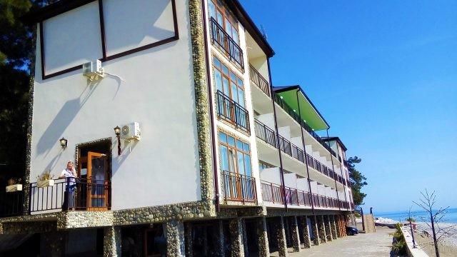 Отель на берегу Чёрного моря