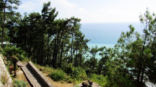 Вид на море из парка санатория Солнечный