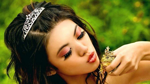 Принцесса целует лягушку