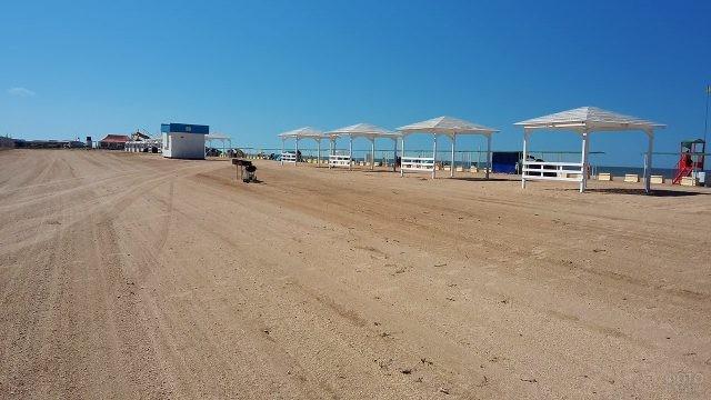 Оборудованный пляж автокемпинга Золотой берег