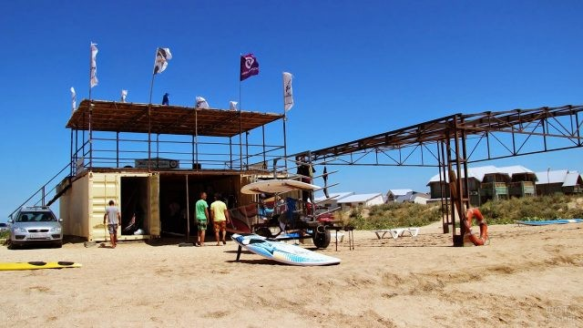 Пляж базы отдыха Сёрфприют