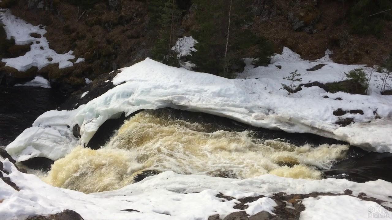 Водопад Кивач в зимний период
