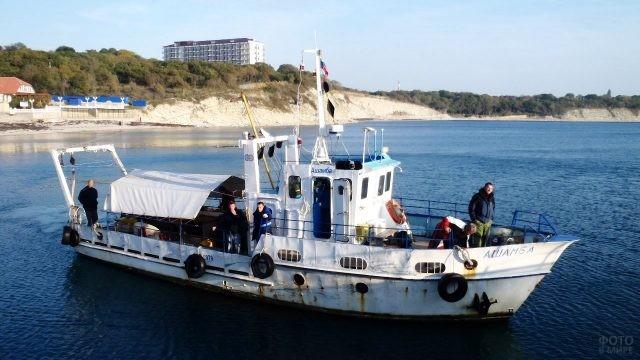 Экспедиционные работы у береговой полосы Института океанологии