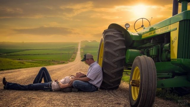 Романтическое свидание на дороге