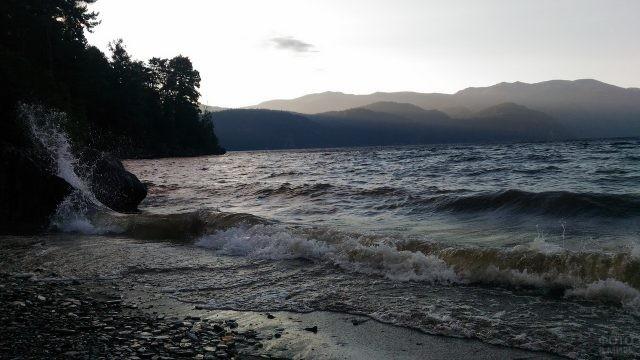 Бурное настроение Телецкого озера