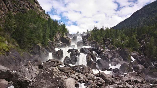 Чульчинский водопад Алтайского заповедника
