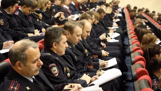 Участковые на встрече с руководством МВД