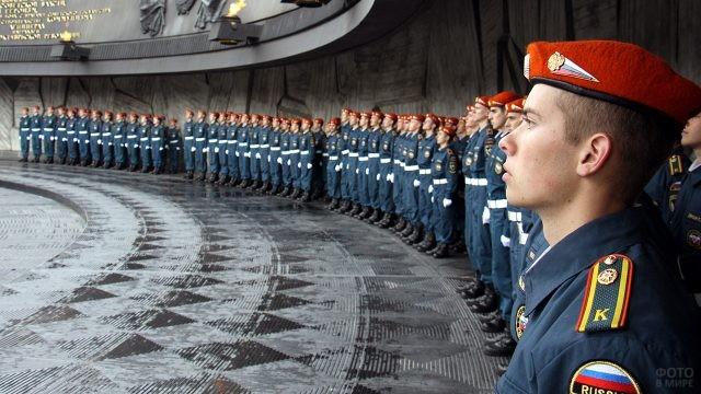 Курсанты-спасатели на мемориале памяти ВОВ
