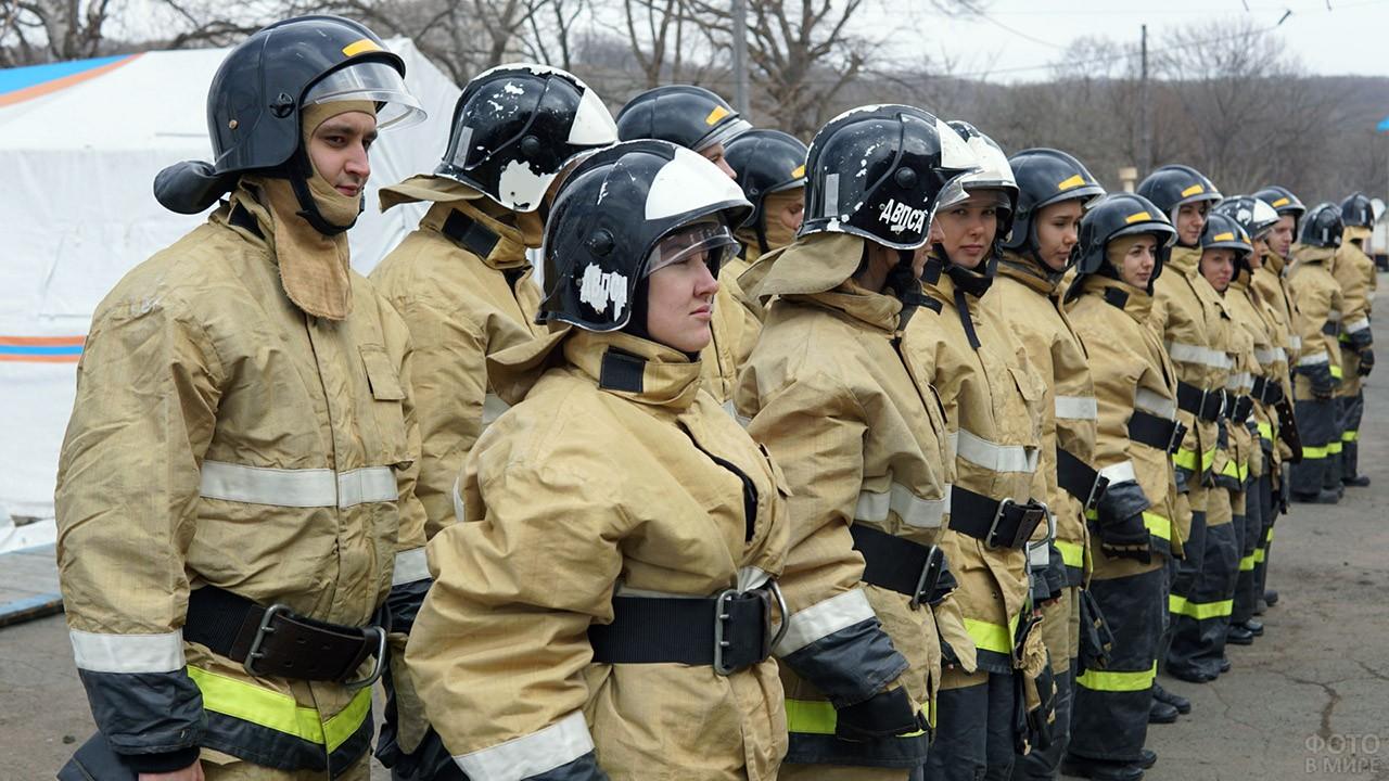 Спасатели МЧС на учениях