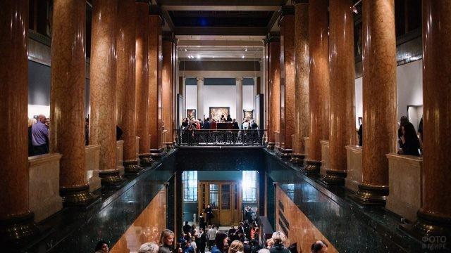 Толпы посетителей в Ночь музеев