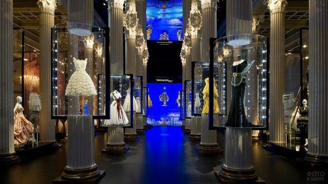 Выставка Дома Диор