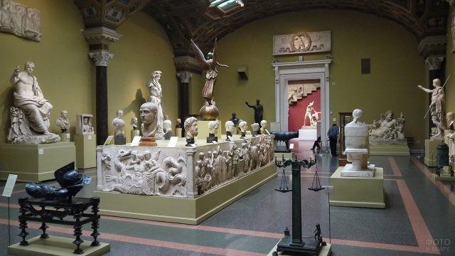 Зал древнегреческих скульптур