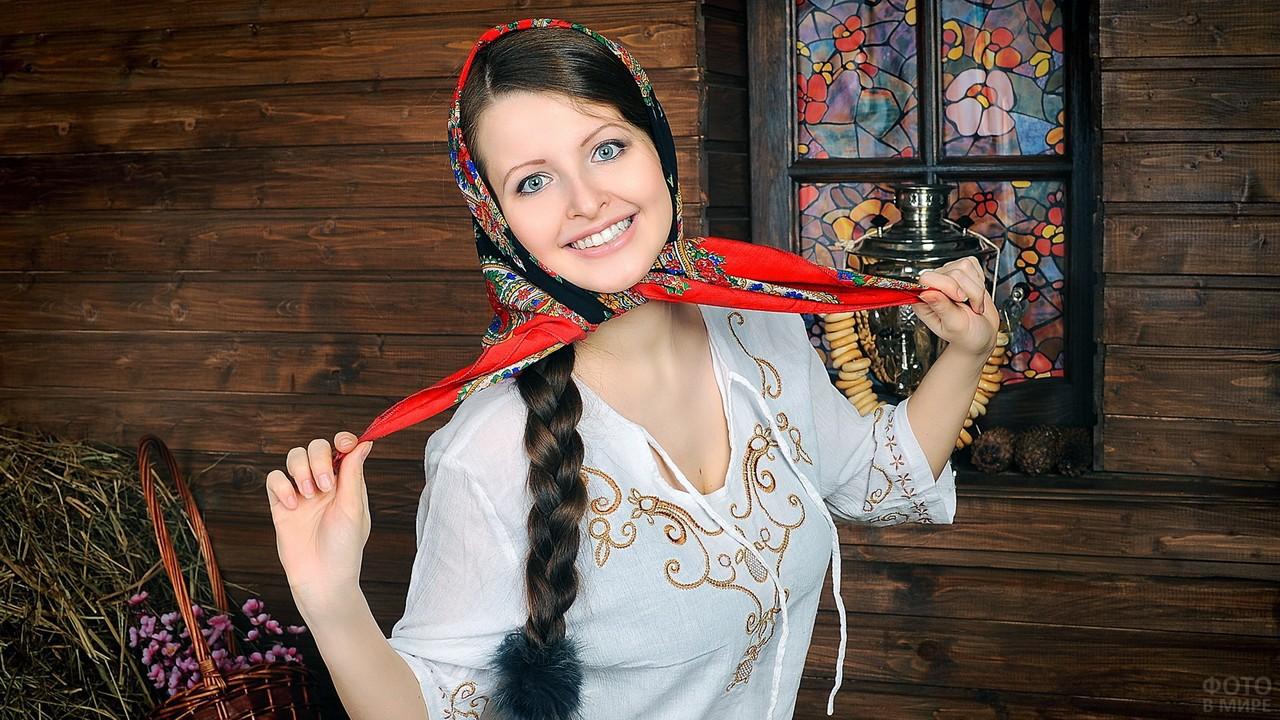 Русская красавица в избе