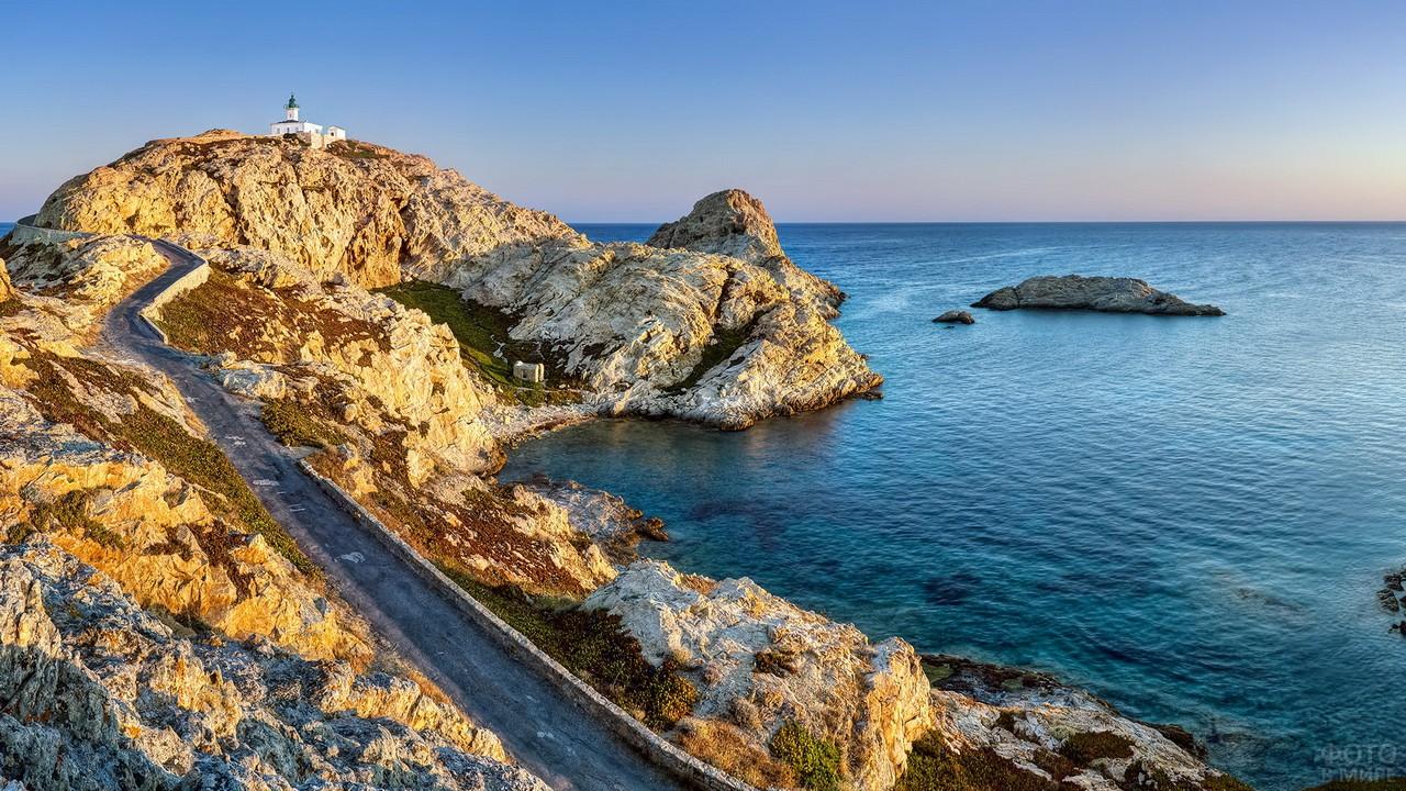 Каменистая местность на Корсике