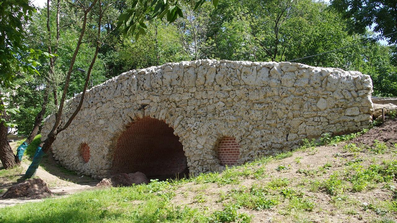 Горбатый мостик в Нескучном саду