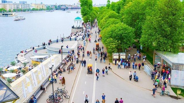Велосипедные и пешеходные дорожки на набережной